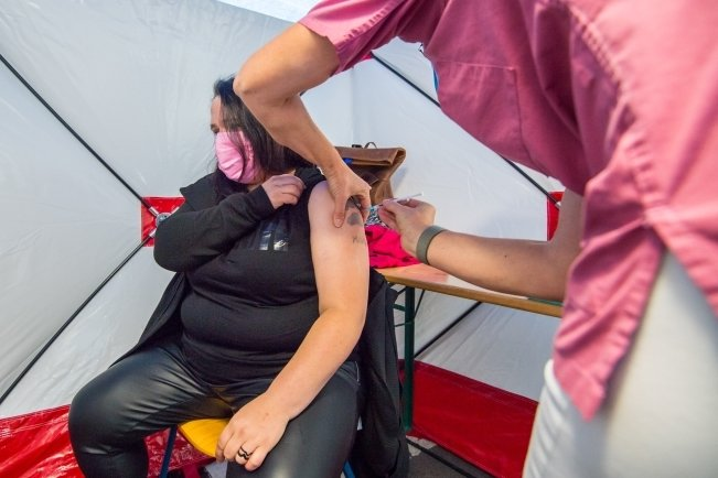 Zweite Drive-In-Impfaktion in Aue erneut ein voller Erfolg
