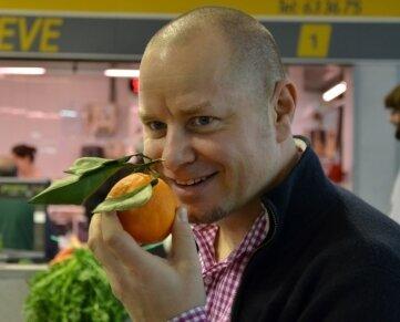 Kennt sich aus mit Orangen: Chefkoch Jenö Friedl vom Hotel Jumeirah in Port Sóller.