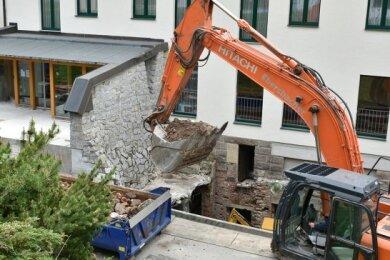 Arbeiten am Waldhotel in Mühlleithen.