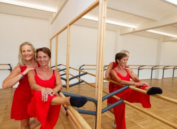 Die vom nackten Lagerraum zum modernen Tanzsaal umgebaute Fläche ist kaum wiederzuerkennen. Simone Sachs (links) und Ronny Bartsch sind glücklich über die neuen Trainingsmöglichkeiten in der Dürerstraße.