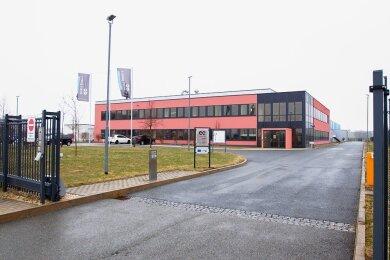 Die Firma E-Control-Glas in Oberlosa ist in wirtschaftliche Schwierigkeiten geraten. Die Geschäftsführung hat am Amtsgericht Chemnitz Antrag gestellt auf Eröffnung eines Insolvenzverfahrens.
