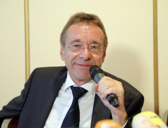 Strafverteidiger Ulrich Dost-Roxin kritisierte die sächsische Justiz scharf.