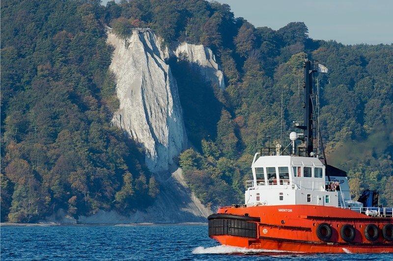Bald ganz ohne Treppe zum 118 Meter tiefer gelegenen Ufer? Der Königsstuhl. Einheimische fürchten um die Erlebbarkeit der Natur.