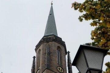 Die evangelische Kirche Falkenstein setzt mit dem täglichen Läutern der Glocken am Abend ein Zeichen.