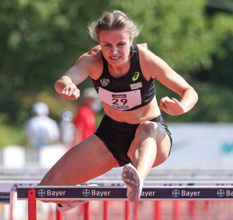 Sie läuft in Mittelsachsen vornweg: Anne Weigold, Hürdensprinterin der LG Mittweida, wurde als erste Leichtathletin des Kreises in den Perspektivkader des DLV berufen.