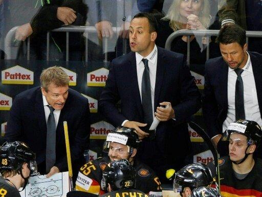 DEB-Coach Marco Sturm (Mitte) freut sich auf das Turnier
