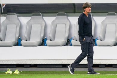 Spätestens am 11. Juli - für diesen Tag ist in London das Finale der Europameisterschaft geplant - verlässt Joachim Löw das letzte Mal die Trainerbank der deutschen Fußball-Nationalmannschaft. Bei der Suche nach einem Nachfolger hat DFB-Sportdirektor Oliver Bierhoff die Qual der Wahl.