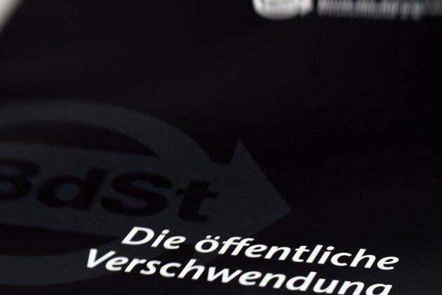 Drei Fälle aus Sachsen im Schwarzbuch