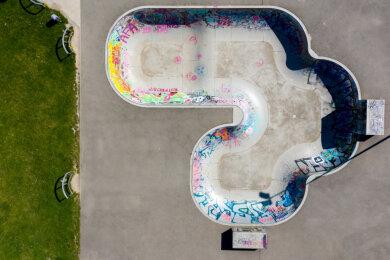 Die Skater-Anlage bleibt verwaist. Durch die Verlängerung der Kontaktbeschränkungen sind Spiel- und Sportstätten auch in Chemnitz weiterhin gesperrt.