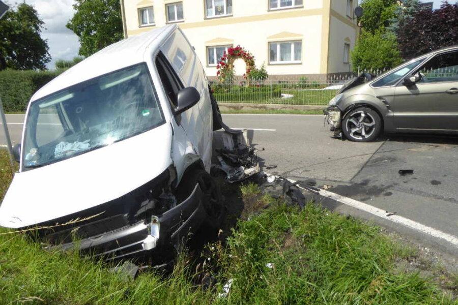 Unfall in Dänkritz - Kreuzung zwei Stunden gesperrt