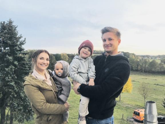 Familie Stejskal fühlt sich sichtlich wohl im Kirchberger Stadtteil Burkersdorf. Sie schätzt die gute Nachbarschaft sowie die Wälder und Flure gleich hinterm Haus.