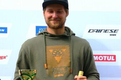 Pascal Lenz sicherte sich beim Saisonfinale auf dem Schleizer Dreieck den Gesamtsieg im BMW-Boxercup.
