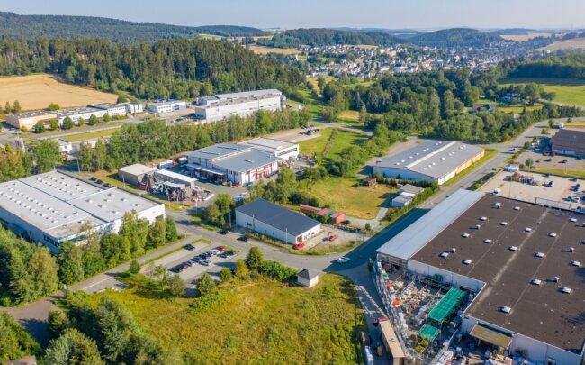 Das Gewerbegebiet an der Bundesstraße 95 soll in den kommenden Jahren erweitert werden. Der Plan sieht eine Vergrößerung um acht Hektar vor.