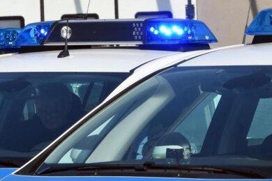 In Raschau hat ein unbekannter Autofahrer einem Jungen einen schwarzen Stunt-Scooter gestohlen. Die Polizei sucht Zeugen.