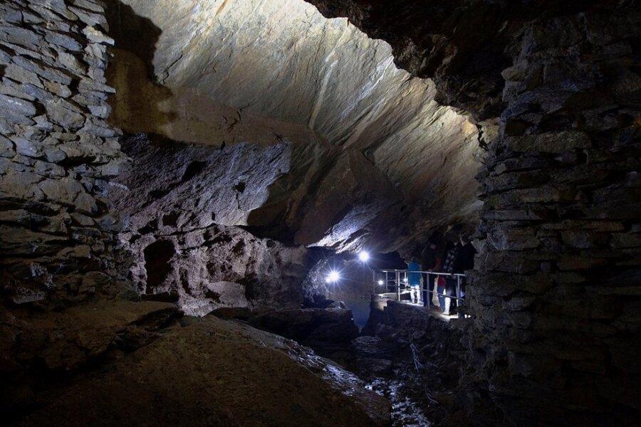 Die Drachenhöhle Syrau wurde 1928 zufällig entdeckt. Auch in den Herbstferien ist geöffnet. Besuchertermine sollten vorab reserviert werden. Das geht auch über das Internet.