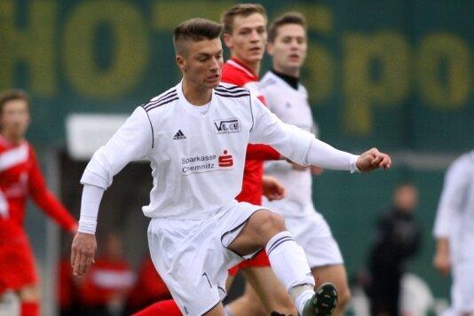 A-Jugend-Spieler Robin Pollmer bekam seine erste Einsatzchance in der Landesliga-Mannschaft. Er setzte sich gut in Szene.