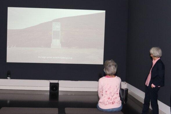 """Jumana Mannas preisgekrönter Film """"Wild Relatives"""" zeigt den Weg von Saatgut zwischen Syrien, dem Libanon und Norwegen. Die palästinensische Künstlerin lebt in Berlin."""
