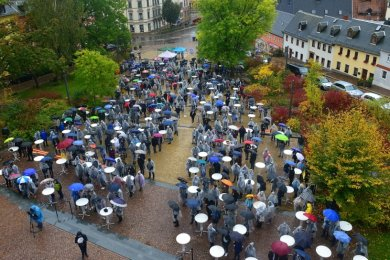 Erstmals fand die Immatrikulationsfeier vor dem Haupthaus der Hochschule Mittweida auf dem Technikumplatz statt.