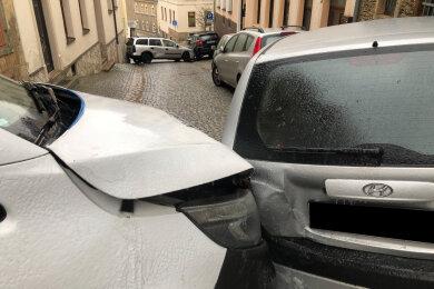 In Annaberg verkeilten sich Autos auf spiegelglattem Pflaster.