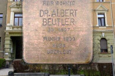 Der Stolperstein für Albert Beutler an der Weinholdstraße 13 ist einer von bislang neun in Reichenbach.