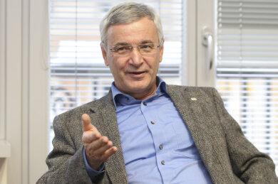 """Landrat Rolf Keil (CDU) wies am Karfreitag darauf hin, dass sich die Entwicklung der Infektionen verlangsamt hat: """"Das stimmt uns alle optimistisch."""""""