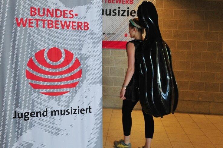 """Ende Mai steht der Bundeswettbewerb """"Jugend musiziert"""" an - hier eine Archivaufnahme von 2018. Die diesjährige Auflage wird als Videowettbewerb stattfinden. Zwei Schüler der Musikschule Vogtland haben sich für den Wettbewerb auf Bundesebene qualifiziert."""