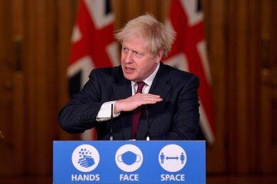 Unschöne Weihnachtsbotschaft: Der britische Premier Boris Johnson erklärt nach dem verstärkten Auftreten einer Virusvariation in Großbritannien, welche Einschränkungen jetzt gelten.