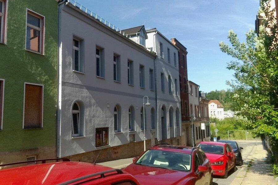 Die Schwerathletikhalle (Mitte) erhielt im Vorjahr unter anderem eine neue Fassade.