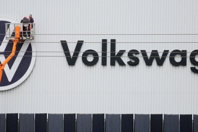 Bei VW in Zwickau soll ein Mitarbeiter systematischen rassistischen Anfeindungen ausgesetzt gewesen sein. Die Namen der Täter nennt er nicht.
