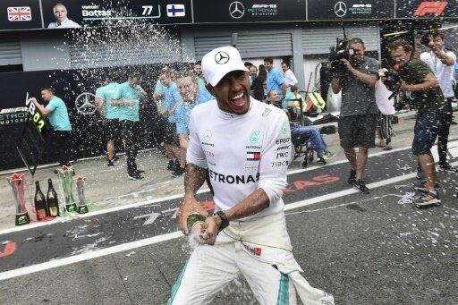 Britische Presse feiert Lewis Hamilton