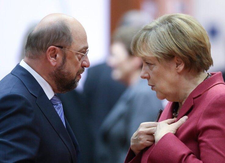 SPD-Kanzlerkandidat Martin Schulz und Kanzlerin Angela Merkel (CDU) verstehen sich eigentlich gut. Aber im Wahlkampf ...