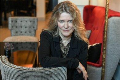 Die deutsche Schauspielerin und Sängerin Barbara Sukowa spielt in ihrem neuen Film eine Frau, die eine andere Frau liebt und ihren Lebensabend mit ihr verbringen will. Das stürzt allerdingsandere Familienmitglieder in ziemliche Krisen.