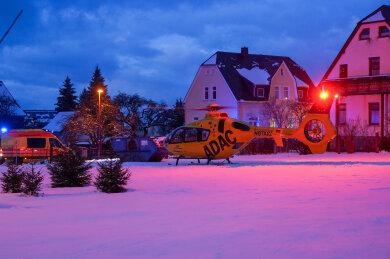 Ein Rettungshubschrauber war am Dienstagabend in Auerbach im Einsatz.
