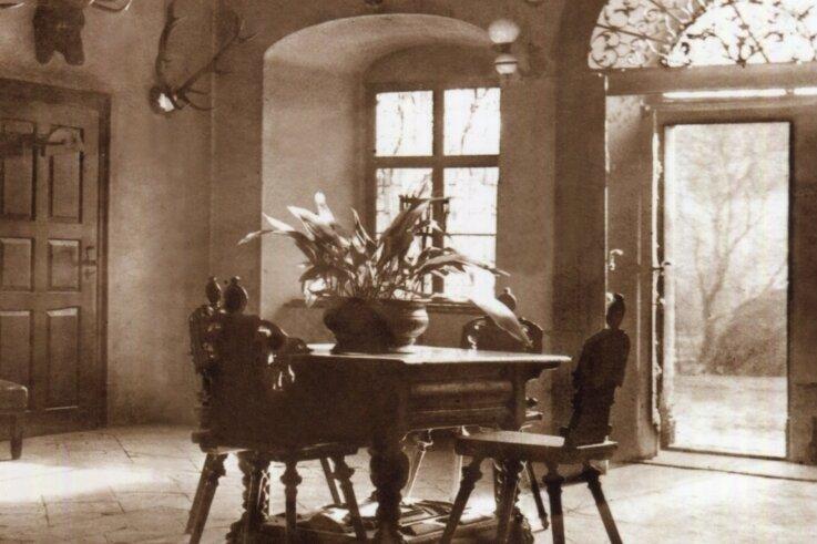 Falkensteins Barone hatten im Schloss ein rustikales Entree.