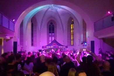 Viele Besucher fanden: Der Rockherbst in der Kirche ist eine Bereicherung für alle feierfreudigen Oelsnitzer.