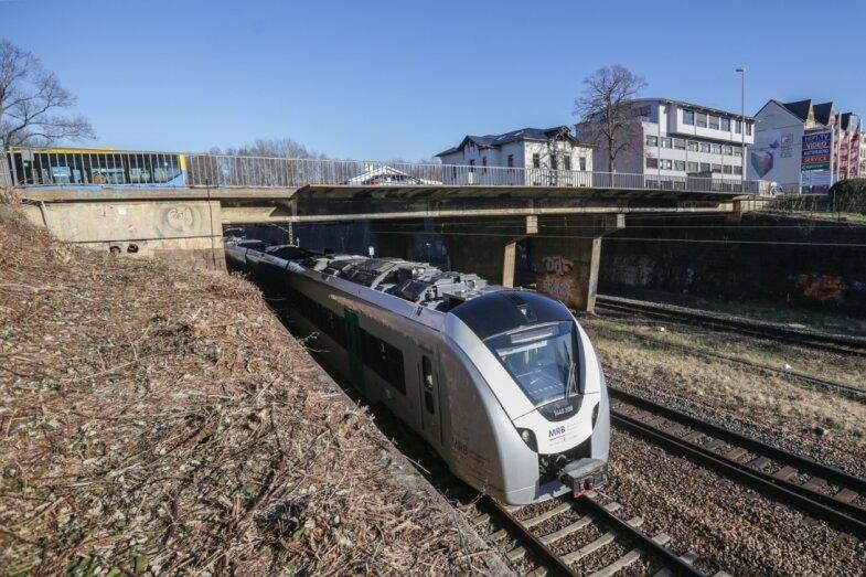 Neue Brücke für die Zschopauer Straße im Anflug: Vollsperrung am Wochenende