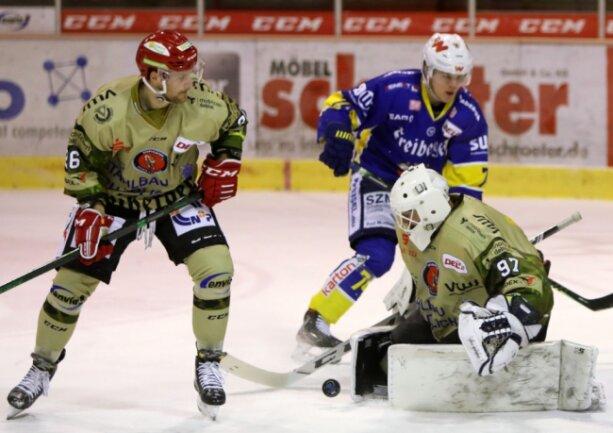 Am Montagabend stand Torhüter Ilya Andryukhov noch im Kasten der Eispiraten Crimmitschau. Wenige Stunden später verletzte sich 30-Jährige bei einem Autounfall schwer.