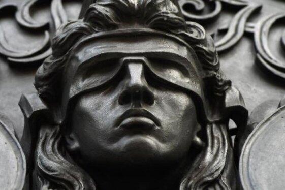 Prozessauftakt: Mann soll in Plauen auf Frau eingestochen haben