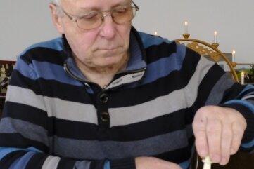 Klaus Frenzel spielt beim SC Reichenbach Schach.