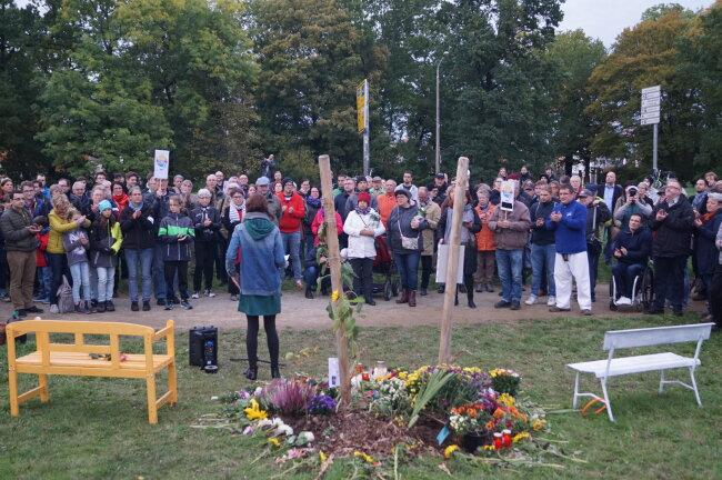 Zur Gedenkveranstaltung kamen nicht nur Zwickauer, sondern auch etliche Teilnehmer aus dem Umland.