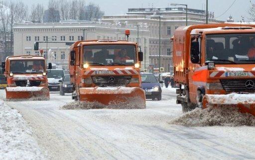Nach dem Schneechaos kehrt Deutschlands größter Flughafen in Frankfurt am Main langsam zum normalen Flugbetrieb zurück. Allerdings droht der Winter Deutschland in den kommenden Tagen erneut mit Schnee und Sturm zu überziehen.