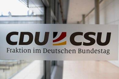 Die CDU/CSU-Fraktion will sich als Lehre aus der Maskenaffäre strengere Regeln geben.