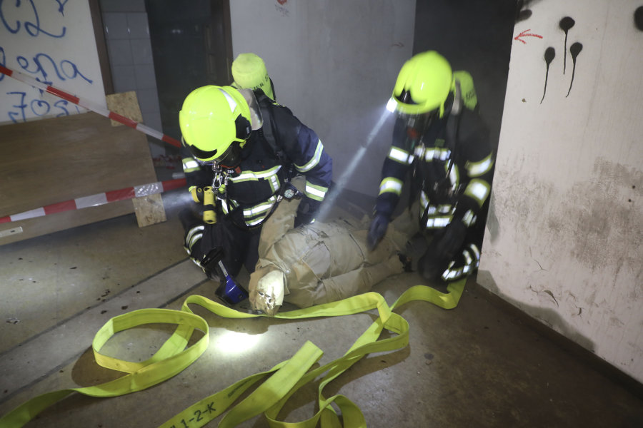 Feuerwehren proben Rettungseinsatz bei Rockkonzert