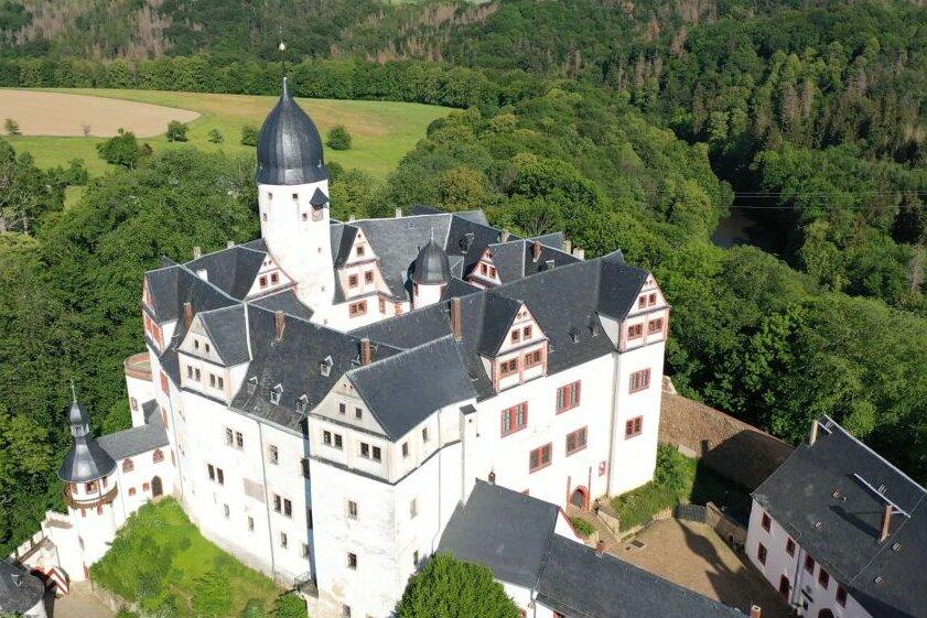 Schloss Rochsburg thront über der Zwickauer Mulde.