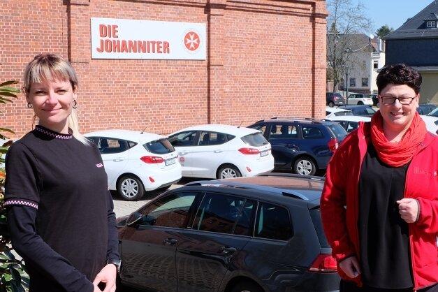 Im Februar erfolgte der langfristig vorbereitete Wechsel an der Spitze der Johanniter Sozialstation in Oelsnitz. Simone Kaus (rechts) hat die Pflegedienstleitung übernommen, Stellvertreterin ist Romy Lorenz.