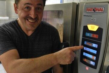 Küche, Speisekarte, Bestellen: Digitale Technik erleichtert die Arbeit.