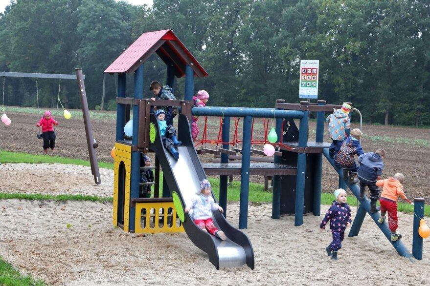 Spielplatz in Reinholdshain saniert