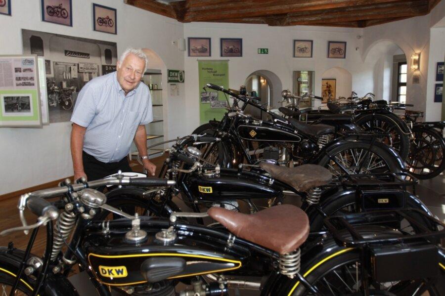 Die Motorradausstellung im Schloss Wildeck zeigt in beeindruckender Weise die Gründung des DKW-Werkes durch den Dänen Jørgen Skafte Rasmussen. Zu sehen sind auch seltene Modelle aus den Anfängen des Motorradbaus - ein Geschenk des gleichnamigen Enkels des Firmengründers.