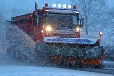 Der Winterdienst war von Sonntag bis Montagmorgen unterwegs.