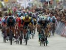 Sam Bennett (r.) gewinnt die siebte Giro-Etappe